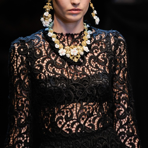 dolce_and_gabbana_lace_dress