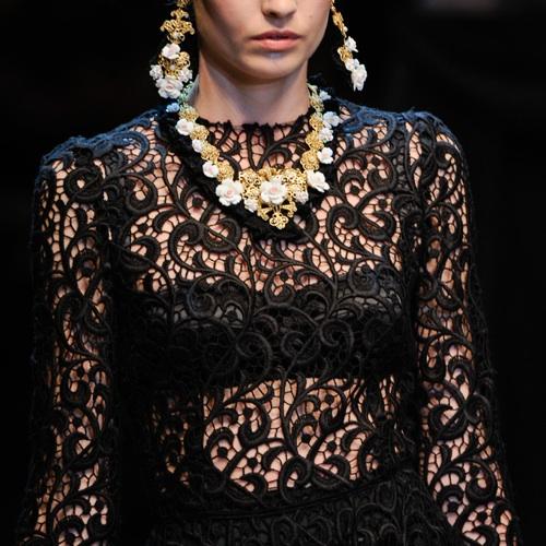 dolce_and_gabbana_lace_dress