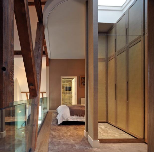 bed closet bath