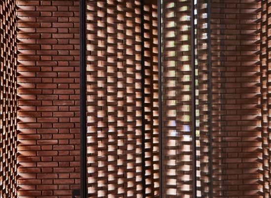 BRICK WITH LIGHT 1
