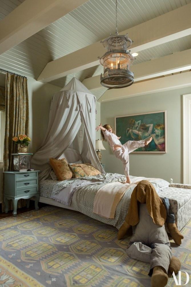 LILY ALDRIGE- BEDROOM